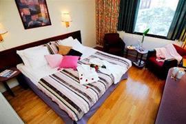 88146_006_Guestroom