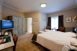 92627_004_Guestroom