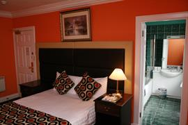 imperial-hotel-bedrooms-18-83483