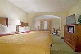 34117_004_Guestroom