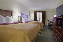 34117_005_Guestroom