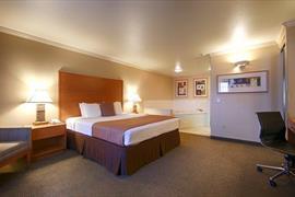 05664_006_Guestroom