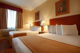 33141_004_Guestroom