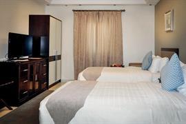 76923_005_Guestroom