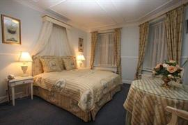 96088_006_Guestroom