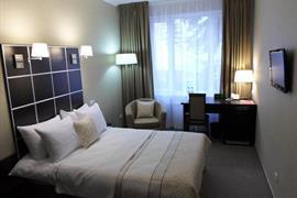 91211_006_Guestroom