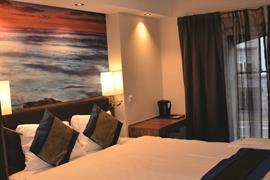 73103_003_Guestroom