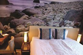 73103_005_Guestroom