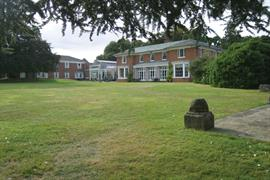 kenwick-park-hotel-grounds-and-hotel-01-83858