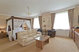 kenwick-park-hotel-bedrooms-43-83858