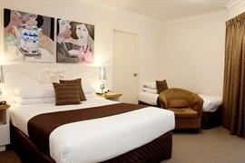 97358_007_Guestroom