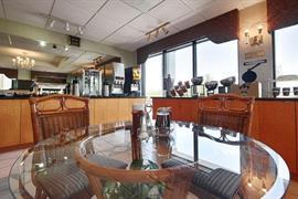 10356_006_Restaurant