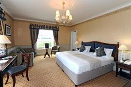 lamphey-court-hotel-bedrooms-09-83424
