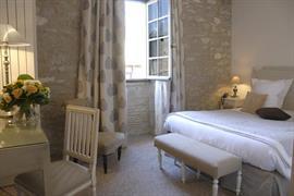 93170_007_Guestroom