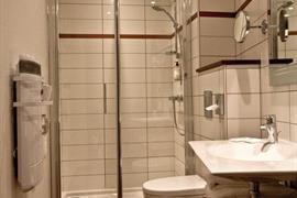 93675_004_Guestroom