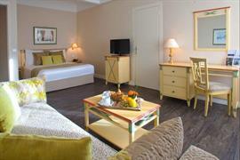 93514_005_Guestroom