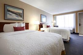 39115_007_Guestroom