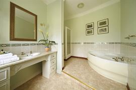 leigh-park-country-house-hotel-bedrooms-06-83721