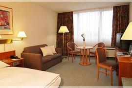 95355_005_Guestroom