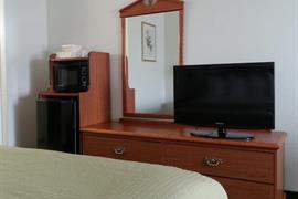05612_006_Guestroom