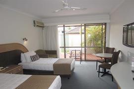 90971_006_Guestroom