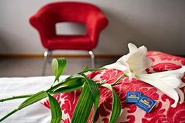 88131_004_Guestroom