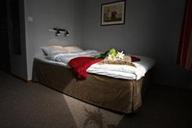88131_005_Guestroom