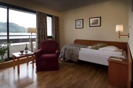73109_005_Guestroom