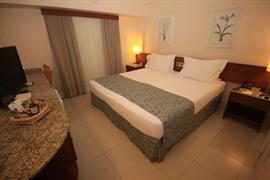77011_007_Guestroom