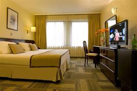 76062_007_Guestroom