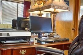 37070_005_Businesscenter