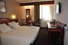 93497_005_Guestroom