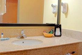 36151_007_Guestroom