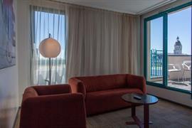93616_006_Guestroom