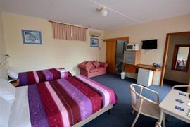 90867_006_Guestroom