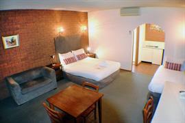 97299_004_Guestroom