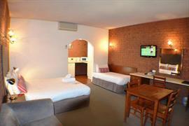 97299_005_Guestroom