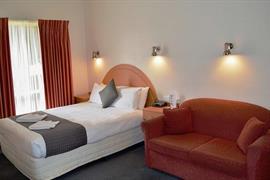 97322_004_Guestroom