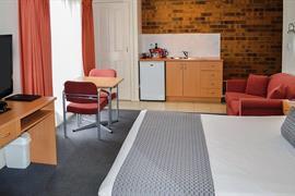 97322_005_Guestroom