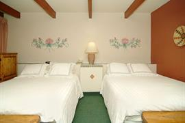 32038_006_Guestroom