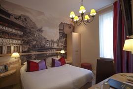 93366_006_Guestroom
