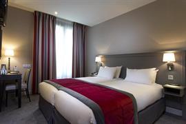 93126_003_Guestroom