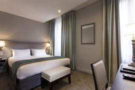 93126_004_Guestroom