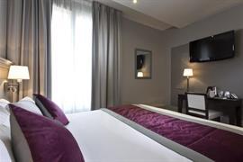 93126_005_Guestroom