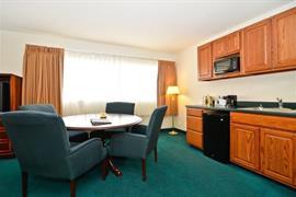 14147_006_Guestroom