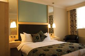 moore-place-hotel-bedrooms-04-83775