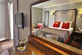 moorings-hotel-bedrooms-02-83544