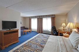 47093_007_Guestroom