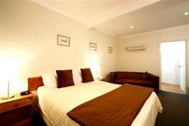 90980_004_Guestroom