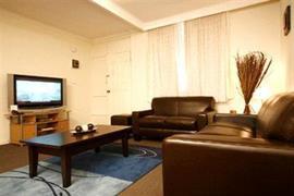 90980_006_Guestroom